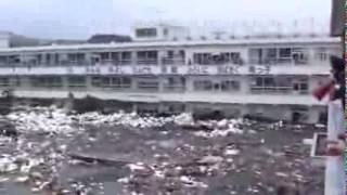 Nuevo video del tsunami que arraso japon, video inedito. New video of the tsunami that razed japan , unreleased video. Tsunami que arraso la central nuclear ...