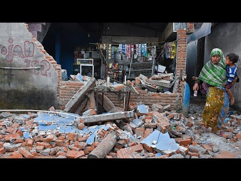 Ινδονησία: Δεκάδες νεκροί από τον σεισμό – Σε εξέλιξη επιχείρηση απομάκρυνσης τουριστών!…