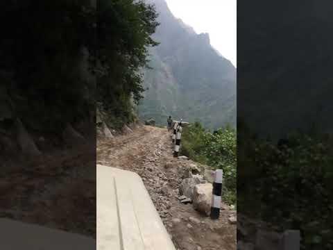 Danger road of manang / On the way to Lamjung besisahar to manang