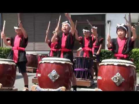 納官小学校和大鼓隊第47回よいらーいき祭りでの演奏