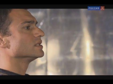 Портрет в интерьере театра. Алексей Мирошниченко