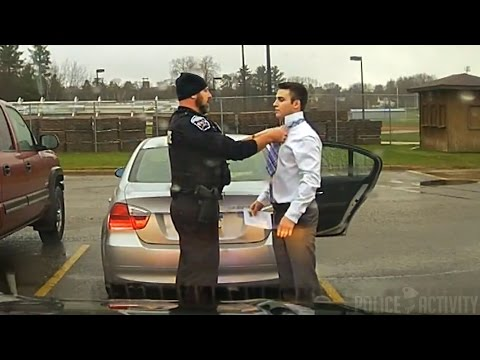 The Touching Moment a Policeman Helps a Kid with His Tie Instead of Arresting Him