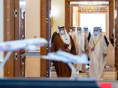 سمو ولي العهد رئيس مجلس الوزراء يستقبل وزير الصناعة والتجارة والسياحة رئيس مجلس إدارة شركة طيران الخليج ويؤكد على إسهامات الشركة في تعزيز تنافسية مملكة البحرين