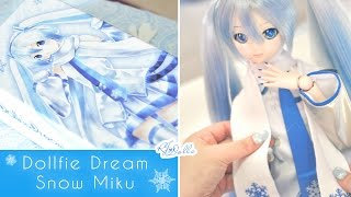 Video Dollfie Dream Hatsune Miku [ Snow Miku Ver. ] Unboxing ~ ❄️💙 MP3, 3GP, MP4, WEBM, AVI, FLV Mei 2019