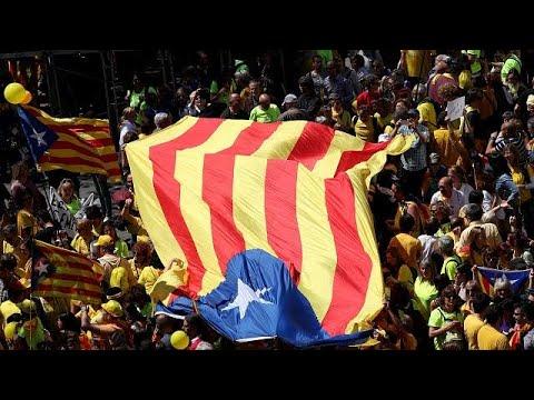 Barcelona: 315.000 Menschen fordern Freiheit für Separa ...