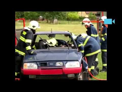 Hasiči v akci - jak dokáží zachránit člověka u autonehody