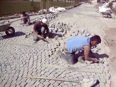 Granit - Granit Pose ou fourniture et pose de paves Granit Gres Porphyre Pose de paves porphyre 6/8 How to Install a Paver Patio Paver patios add elegance and symmetr...