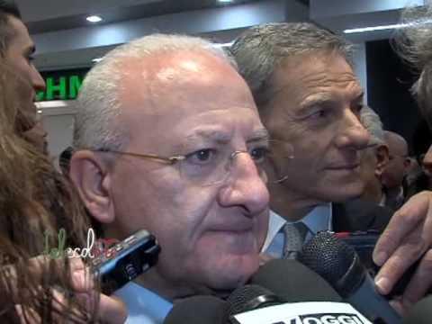 De Luca evita il tema referendario all'inaugurazione delle Cotoniere a Salerno