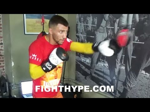 VASYL LOMACHENKO DISPLAYS SPEED, TIMING, AND FOCUS; WORKS THE DOUBLE END AND SPEED BAG (видео)