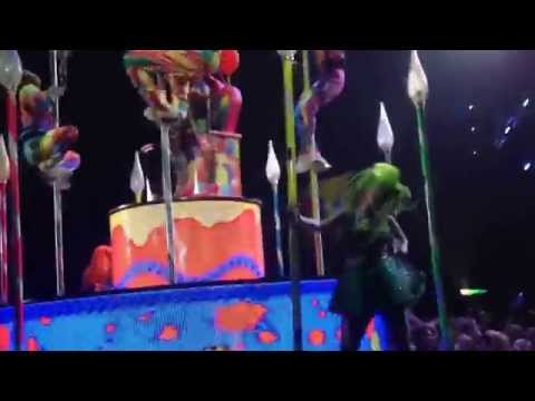 Katy Perry –  Birthday w/ Tamra in the chair @ Telenor Arena, Oslo, Norway