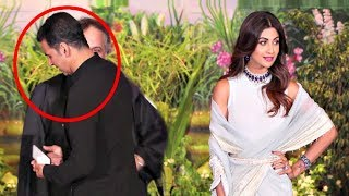 Video Akshay Kumar Ignores Shilpa Shetty At Sonam Kapoor Wedding Reception MP3, 3GP, MP4, WEBM, AVI, FLV Mei 2018