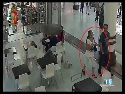Roma: Colombianos robaban en centro comercial. (VIDEO)