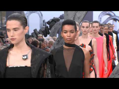 Akris Spring/Summer 2019 | Fashion Show видео