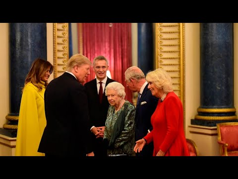Queen welcomes Trump to Buckingham Palace