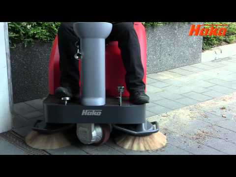 Hako Jonas 800E Ride-On Sweeper