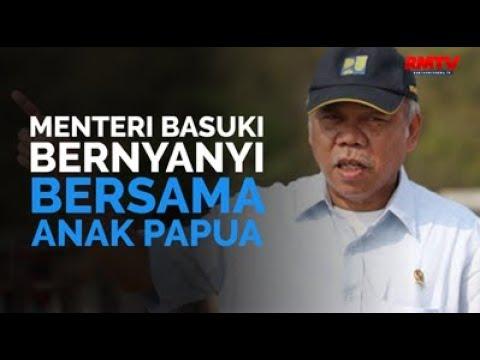 Menteri Basuki Bernyanyi Bersama Anak Papua