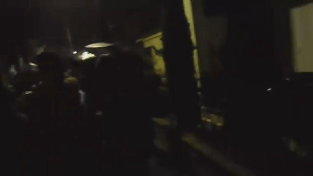 Η στιγμή της επίθεσης στο σπίτι του βουλευτή του ΣΥΡΙΖΑ Αστ. Καστόρη, από ακροδεξιά στοιχεία