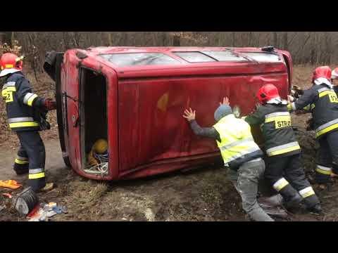Wideo1: Auto w rowie na trasie Leszno - Osieczna