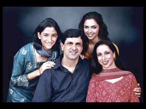 Deepika Padukone with Family Members