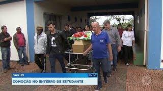 Corpo de estudante encontrada morta é sepultado sob grande comoção em Bariri