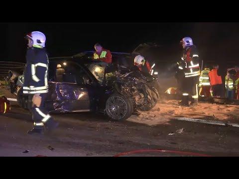 Zwei Tote und viele Verletzte bei Unfällen auf A71 in Thüringen