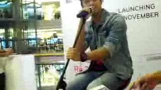 Ivan Saputra - Separuh Aku ( cover )