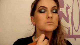 Maquiagem azul para a noite por Alice Salazar - Parte 2