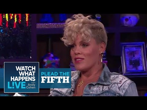 Pink Addresses The Christina Aguilera Beef | Plead The Fifth | WWHL (видео)