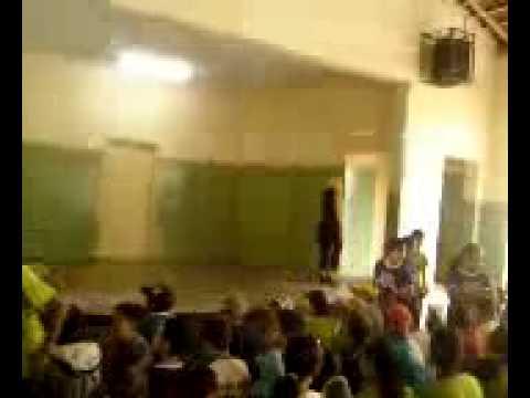 professores dançando na escola ortiz em taiuva parte 3