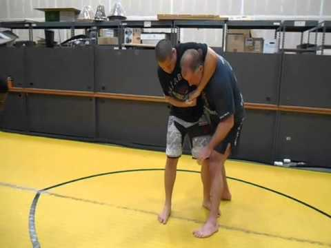 Drop an roll counter to headlock