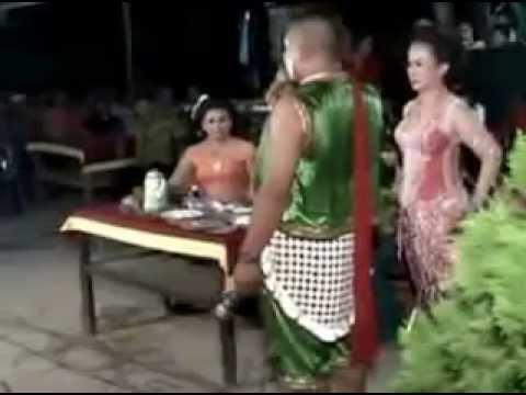 gratis download video - HOT-Campursari-rusuh-mesum-kocak-banget