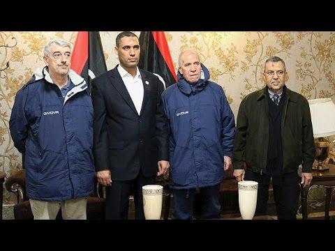 Επέστεψαν στην Ιταλία δύο όμηροι που είχαν απαχθεί στη Λιβύη