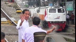 Video Presiden Jokowi Naik Kereta Api Luar Biasa Menuju Cibadak Sukabumi KLB RI 1 MP3, 3GP, MP4, WEBM, AVI, FLV Agustus 2018