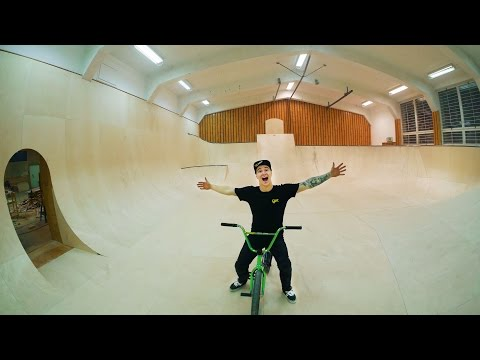 MY NEW SKATEPARK IS FINISHED!! (видео)