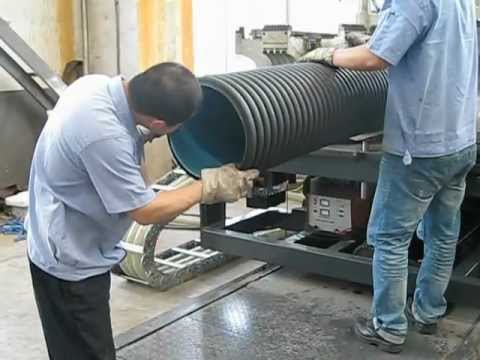 Machine Corrugated - HDPE pipe extrusion machine, corrugated type(co-extrusion), for water drainage, max diameter is 1.5m. Capacity of this whole line is 2times more than that of...