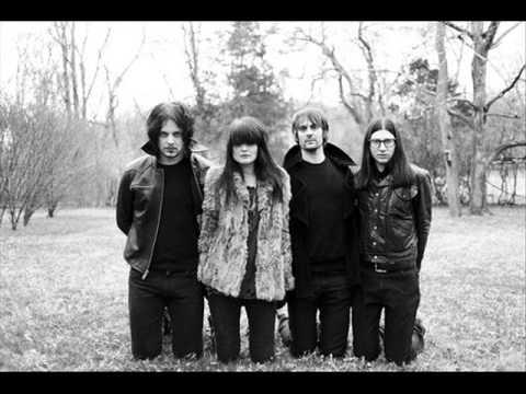 Tekst piosenki The Dead Weather - 60 feet tall po polsku