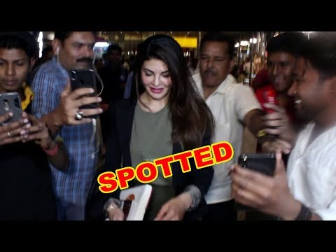 Gorgeous Jacqueline Fernandez Spotted At Mumbai Airport