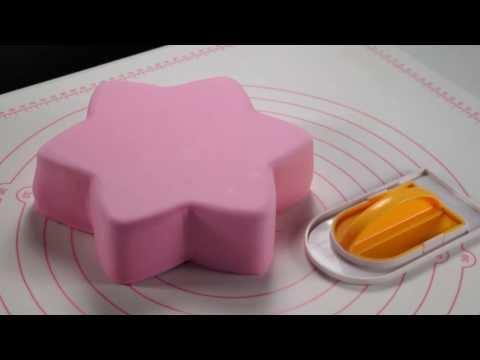 Видео Приспособления для приготовления выпечки Tescoma Гладилка DELICIA DECO, из двух частей Tescoma 632900