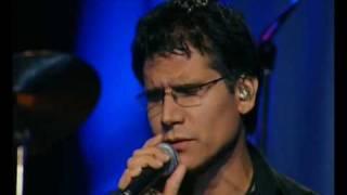 Jesús Adrián Romero en su concierto unplugged cantando esta hermosa canción.