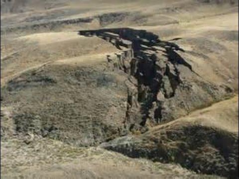 地面不斷出現巨大坑洞 專家說出更駭人後果 毀滅地球啊!!