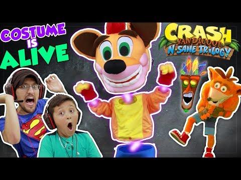 THE COSTUME IS ALIVE!!  FGTEEV DUDDY & MIKE play CRASH BANDICOOT N. SANE Trilogy (видео)