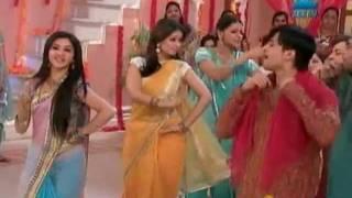 Download Video Mrs. Kaushik Ki Paanch Bahuein - Hindi Serial - Zee TV Serial - Feb. 17 '12 - Dance Performance_2 MP3 3GP MP4