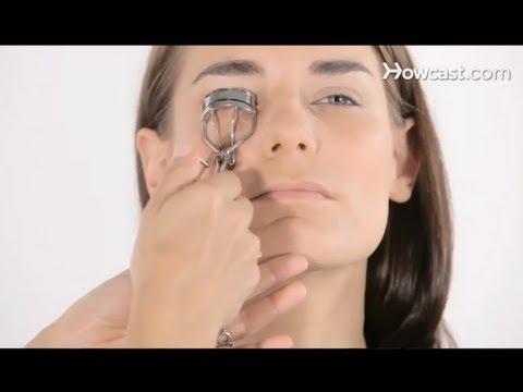 How to Use an Eyelash Curler | Makeup Tutorials