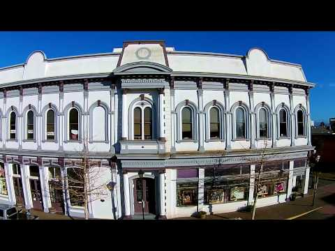 commercial - Douglas Thron is a master at aerial photography and video and has been shooting professionally for 27 years. He is an FAA certified pilot and uses high end drones and airplanes to capture his...