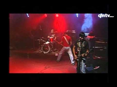 2 Minutos video Barricada policial - CM Vivo - Mayo 2009