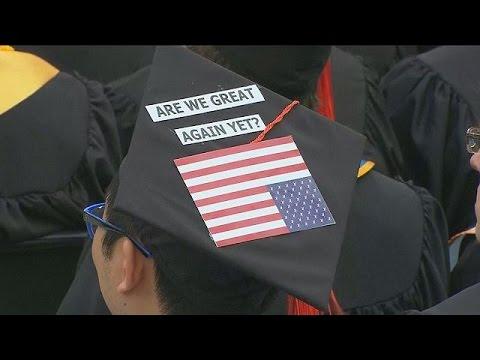 ΗΠΑ: Αποδοκίμασαν τον Μαικ Πενς σε πανεπιστήμιο