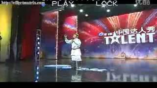 Bài hát về mẹ của cậu bé Mông Cổ khiến giám khảo bật khóc