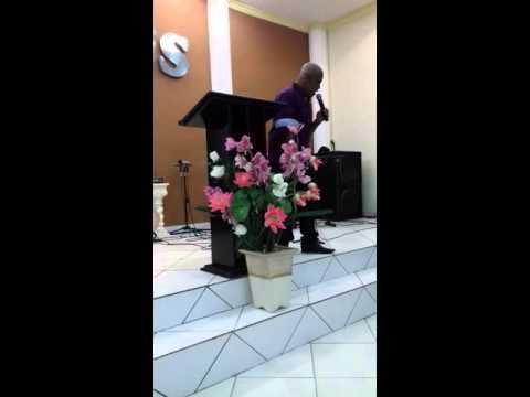Cantor Ivan generoso louvando na igreja assembleia bom sucesso em são Sebastião do Maranhão em