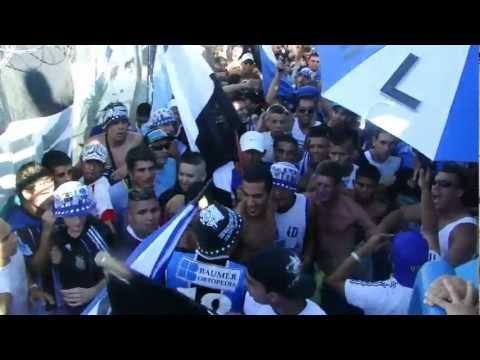 ALMAGRO VS ESTUDIANTES (2012) Entra la Banda Tricolor - La Banda Tricolor - Almagro