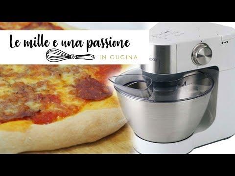 Pizza con l'impastatrice